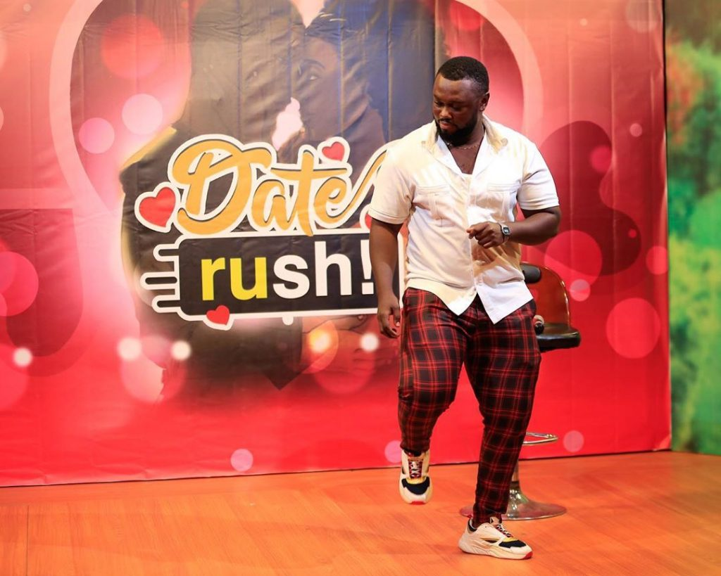 It's Getting Bigger! Dozens Spotted In A Long Queue For Date Rush Edition - [Watch Video]. 14