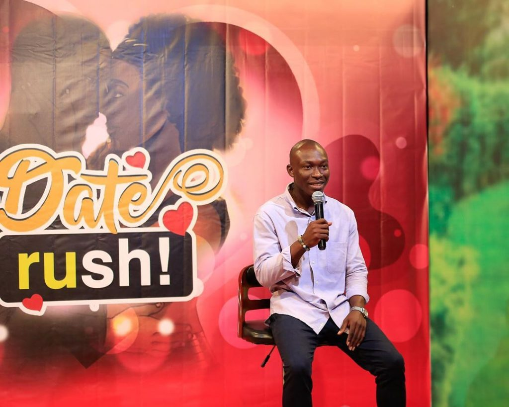 It's Getting Bigger! Dozens Spotted In A Long Queue For Date Rush Edition - [Watch Video]. 15