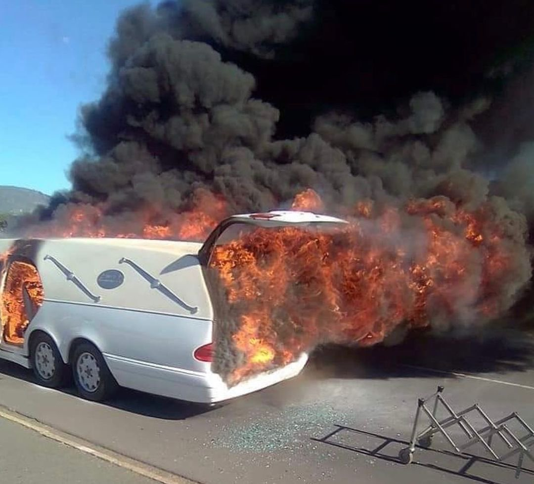 Shocking! Vehicle Carrying Corpse Catches Fire In South Africa, Body Remains Unburnt- See Photos. 10