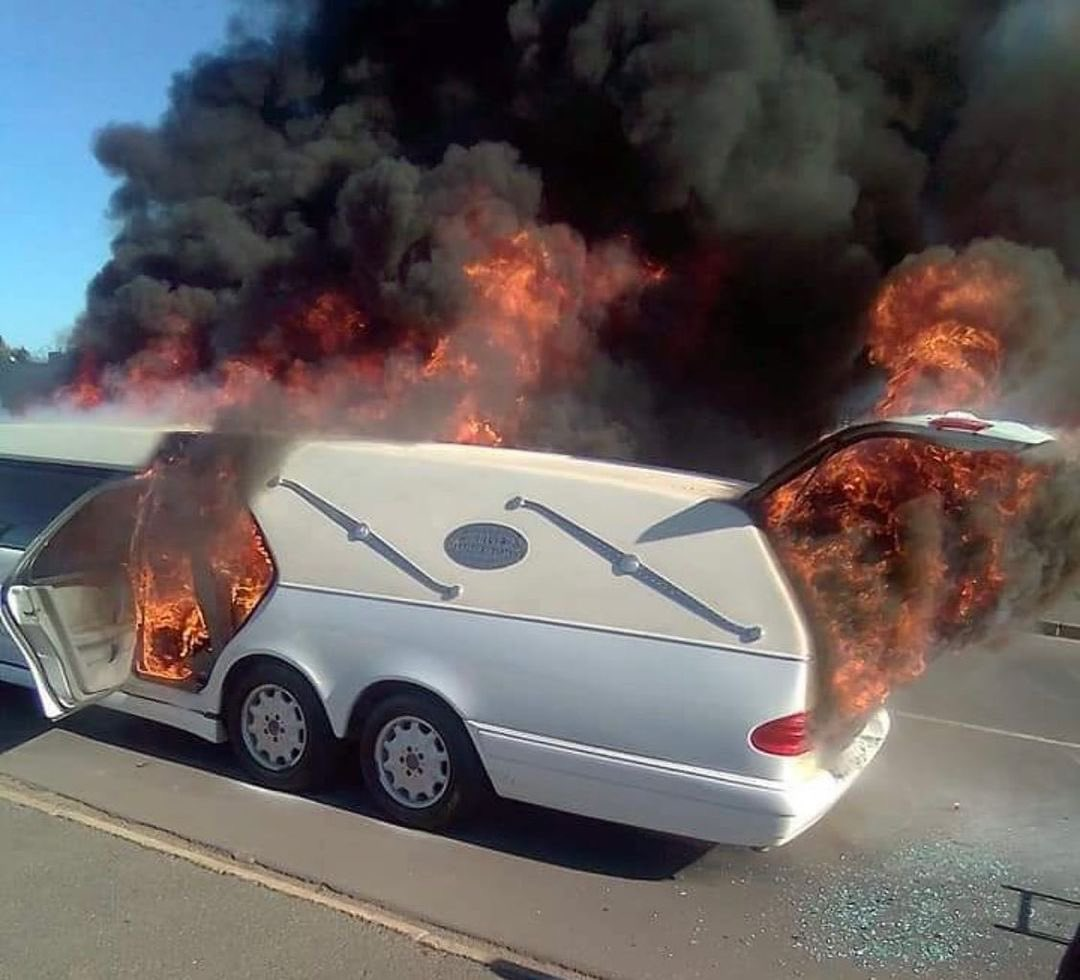 Shocking! Vehicle Carrying Corpse Catches Fire In South Africa, Body Remains Unburnt- See Photos. 9