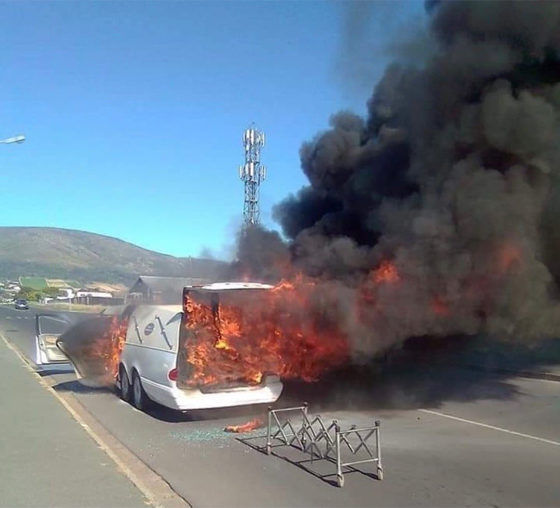 Shocking! Vehicle Carrying Corpse Catches Fire In South Africa, Body Remains Unburnt- See Photos. 8