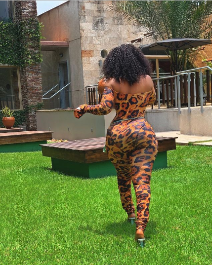Yaw Dabo's girlfriend Vivian Okyere, shares stunning pictures of her perfect body on social media (photos) 3