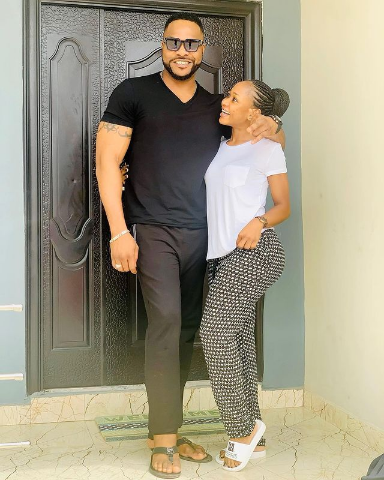 Akuapem Poloo spotted loved up with handsome Nigerian actor (photo) 2