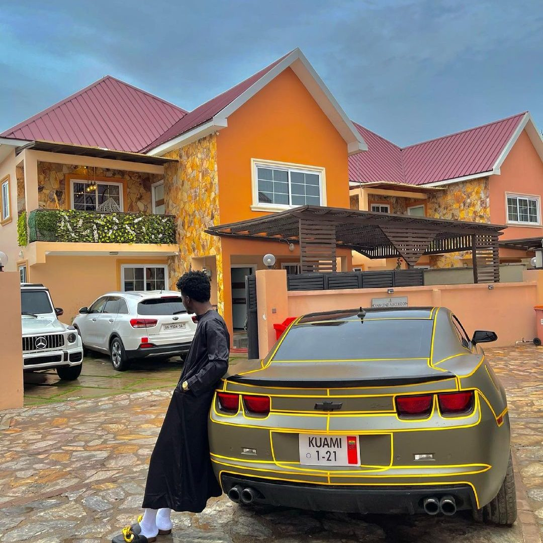 Kuami Eugene flaunts His customize car and Huge Mansion in a new photo. 2